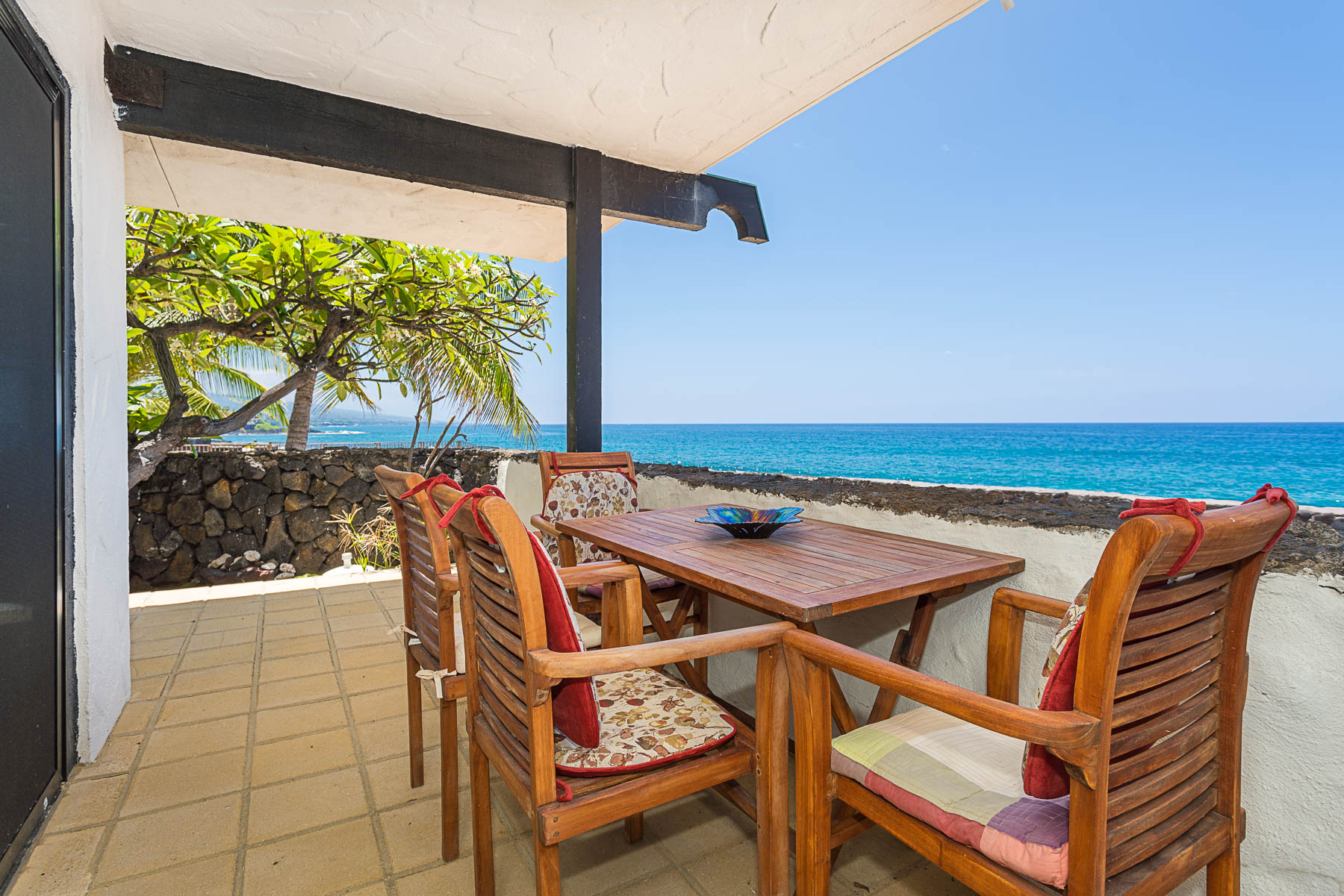 Imagine your morning Kona coffee with this view!